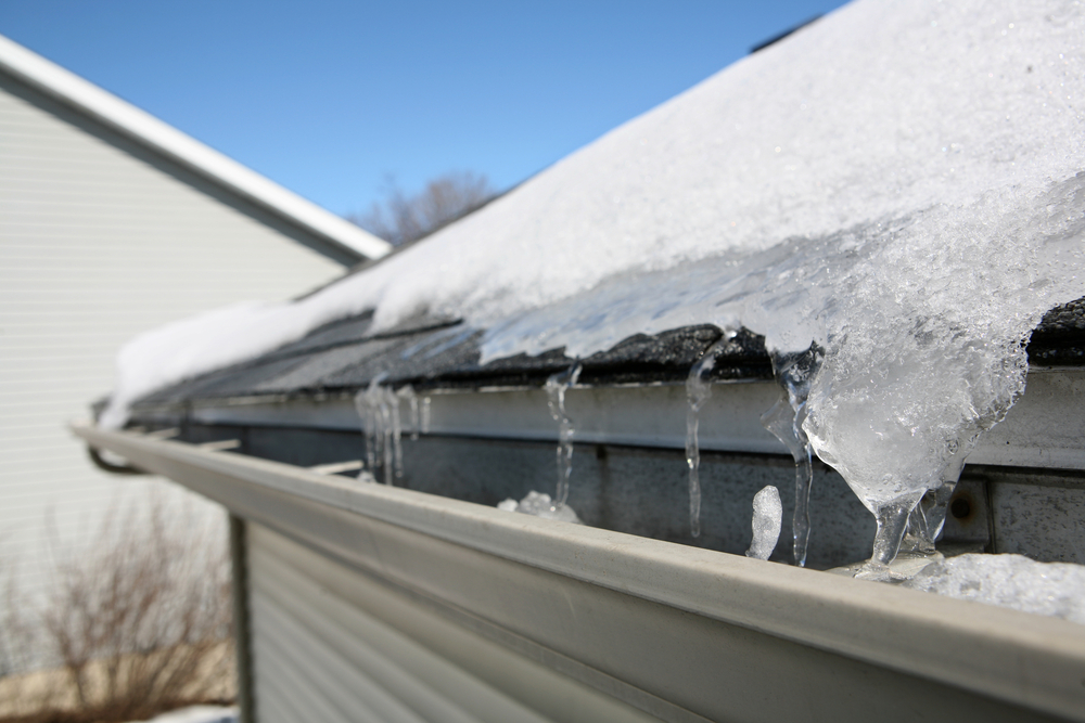 How the Winter Weather Affects Your Roof