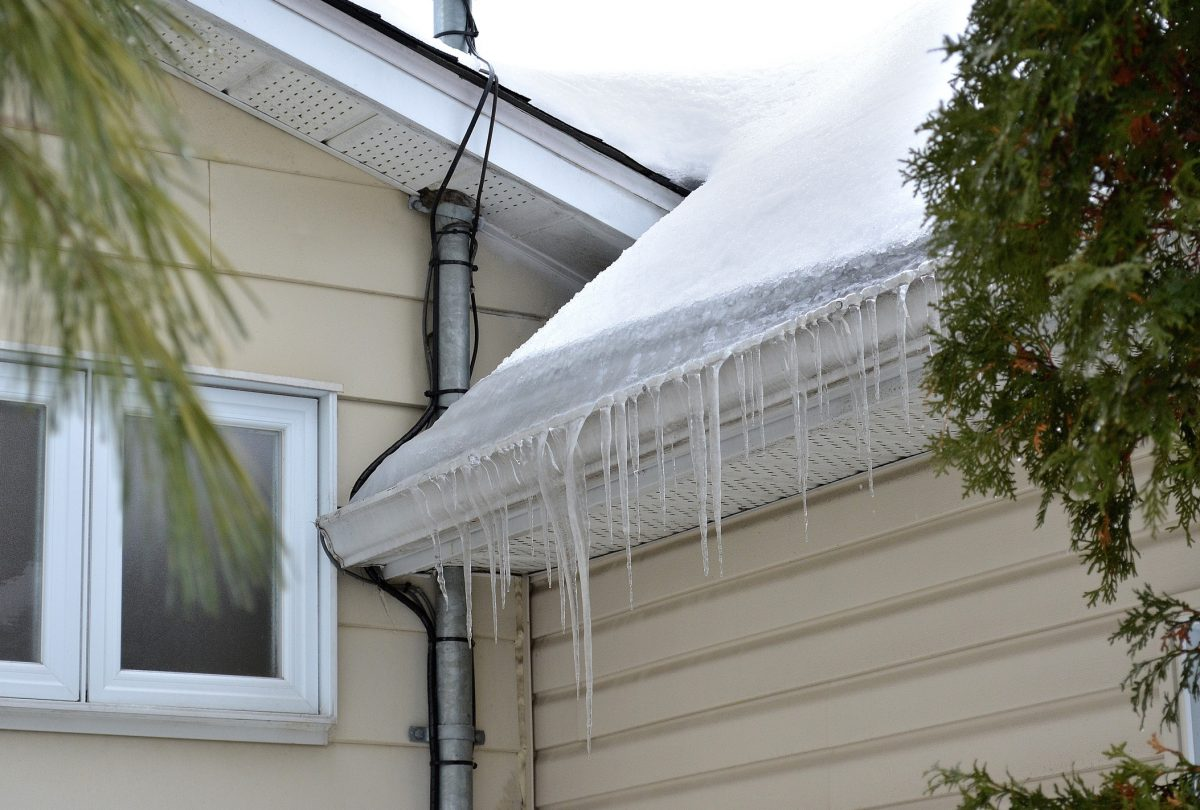 Common Winter Roof Damage To Be Aware Of